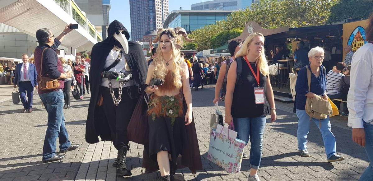 Парада на ликовите од книгите на Саемот во Франкфурт